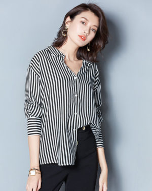 Black Striped Blouse | Chungha