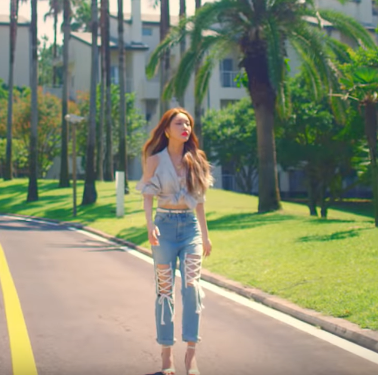 Chung Ha wearing lace Jeans fashion in her MV Love U