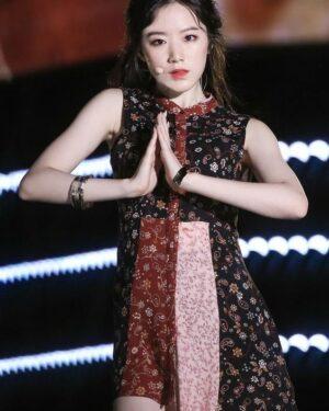 Autumn Red Dress   Shuhua – (G)I-DLE