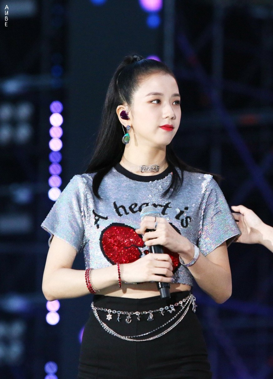 BlackPink Jisoo wearing Sequin heart T-Shirt at Lotte Family Festival