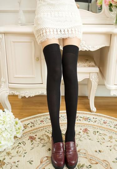 Over Knee Socks | Jisoo – BlackPink