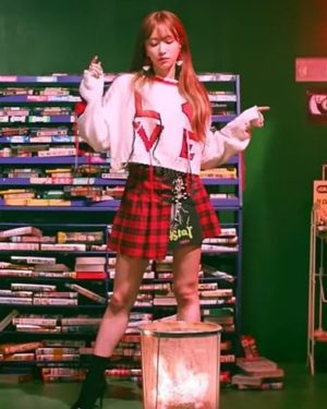 Black Red Checkered Skirt | Hani – EXID