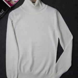 White Turleneck Pullover