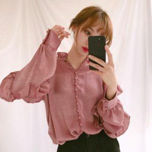 red-velvet-yeri-roufled-blouse
