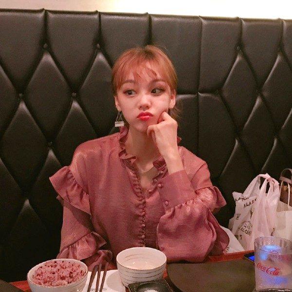 Roufled Blouse | Yeri – Red Velvet