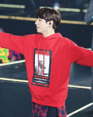 'Missing Have You Seen This Man' Sweater | Jungkook – BTS