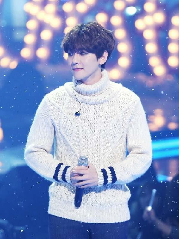 Comfy White Turtleneck Sweater | Baekhyun – EXO