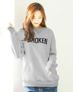 goblin-ji-eun-tak-grey-broken-sweater3