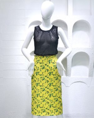 hyuna-black-see-through-vest-floral-skirt
