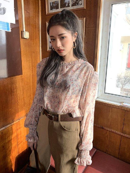 Transparent Flower Blouse | Wendy – Red Velvet