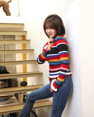 Comfy Colored Turtleneck Sweater | Jihyo – Twice