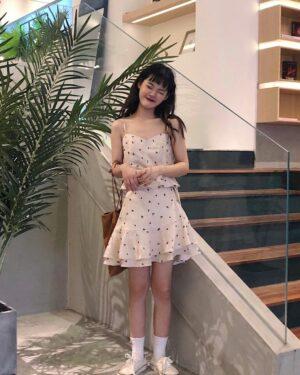 Hyuna Floral Sling Tube Top (3)