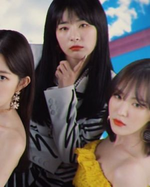 Graffiti Lines Bow Blazer | Seulgi – Red Velvet
