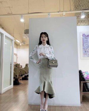 Plaid Fish Tail Skirt | IU – Hotel Del Luna