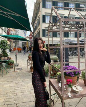 Pearl Buttoned Low V-Neck Black Sweater | Joy – Red Velvet