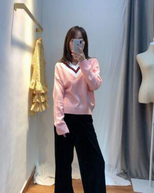 Yuna Pink V-Neck Sweater (14)