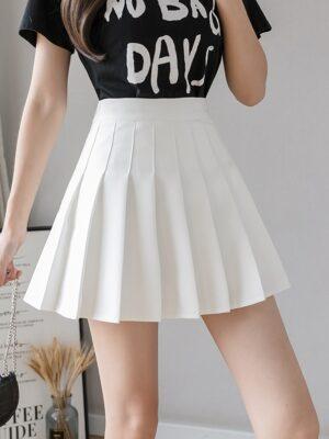 Jennie – Blackpink White Pleated Skirt (4)