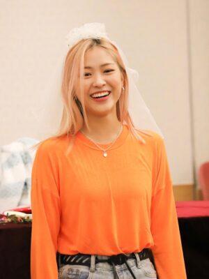 Comfy Orange Long Sleeve Shirt | Ryujin – ITZY