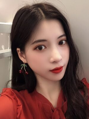 Jisoo – BlackPink Red Cherry Earrings (1)