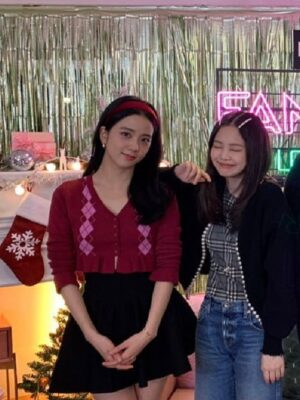 Ruffled Crop Cardigan With Diamond Pattern | Jisoo – BlackPink