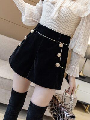 Jisoo – BlackPink Black Gold Buttoned Velvet Shorts (1)