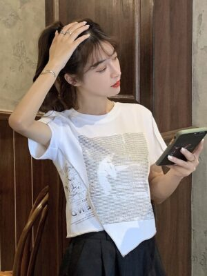 Jennie – BlackPink White Irregular Cut Printed T-Shirt (32)
