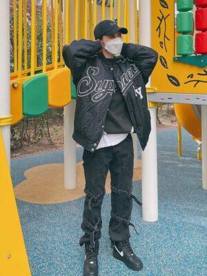 Black Bondage Strap Jeans | Moonbyul – Mamamoo