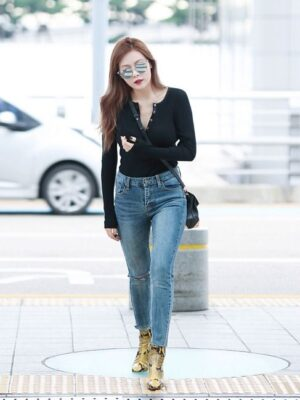 Tight-Fitting Long Sleeve Button Top | Hyuna
