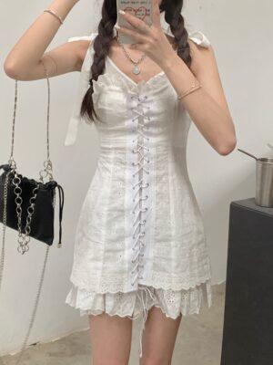 Hyuna – White Lace-Up Mini Dress (4)