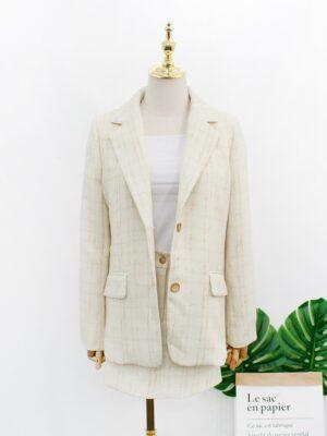 IU – Oversized Plaid Suit Jacket (3)