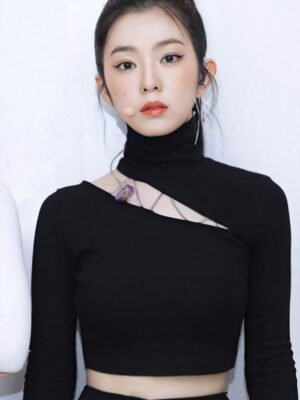 Black Long Sleeve Cut-Out Top | Irene – Red Velvet