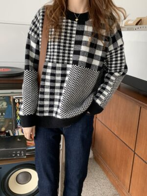 Jeonghan – Seventeen Black And White Checkered Sweater (8)