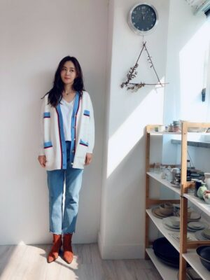 White Contrast Striped Loose Cardigan | Yuri – Girls Generation