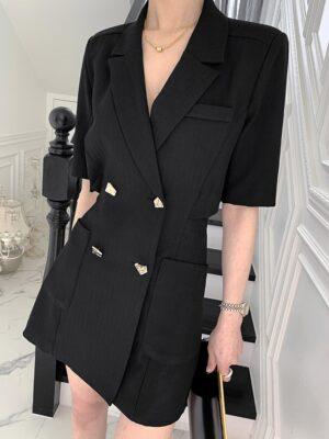 Jisoo – BlackPink Black Cut-Out Back Suit Dress (19) – Copy