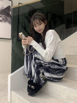 Pleated Drape Pants   Joo Seok Kyung – Penthouse