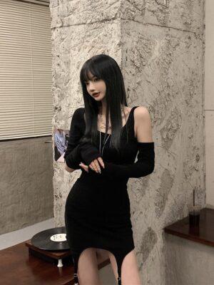 Lisa – BlackPink Black Oblique Shoulder Bodycon Dress (11)