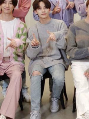 Grey Assymetric Sweater   Jeonghan – Seventeen