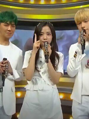 White Irregular Collared Dress   Jisoo – BlackPink